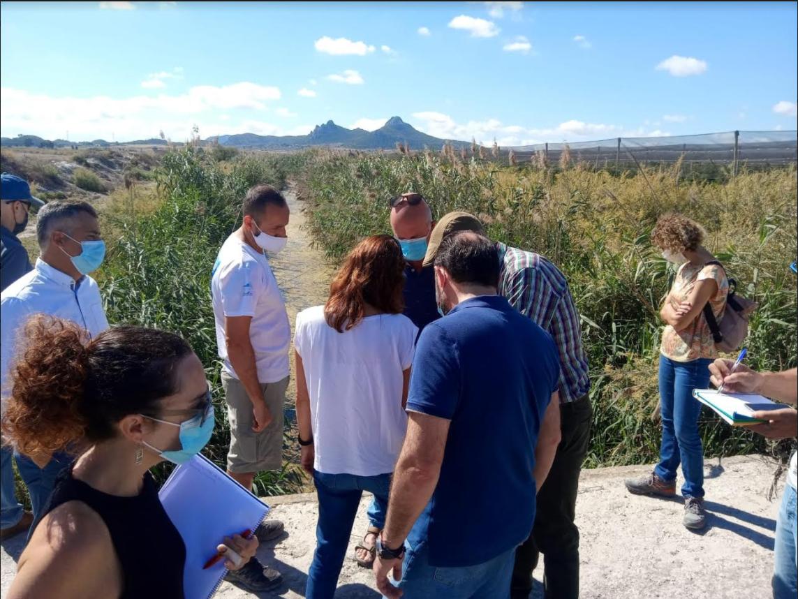Gestión de la Acequia del Rey. Ayuntamiento, regantes y Confederación Hidrográfica acercan posturas para el mantenimiento.