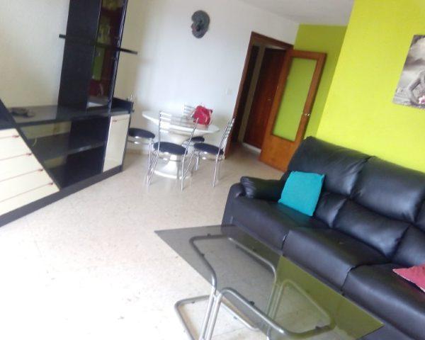 Inmobiliaria Área Urbana vende piso en villena de 91m2 para reformar por 48.000€