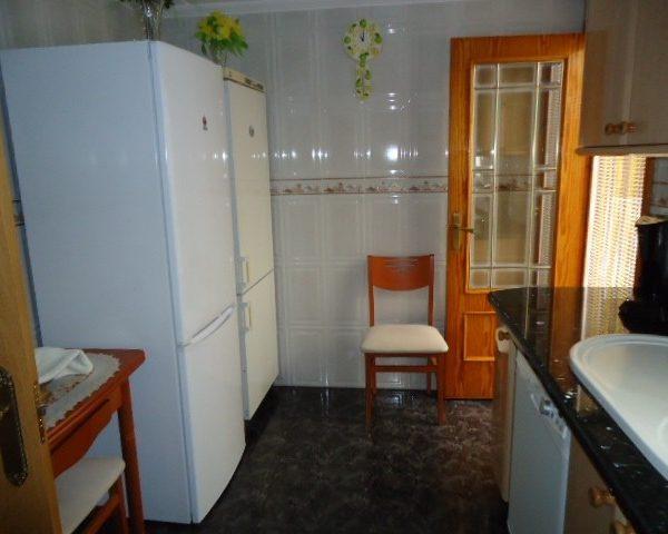 Inmobiliaria Área Urbana vende piso en Villena completamente reformado de 135 m2 por solo 69.000€